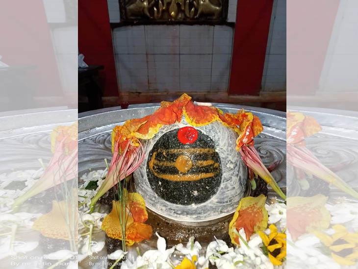 इतिहासकार लोचन का कहना कि रामेश्वरम, सोमनाथ, काशी विश्वनाथ के समान ही अयोध्या के नागेश्वर नाथ का भी शिवआराधना में विशेष स्थान है।