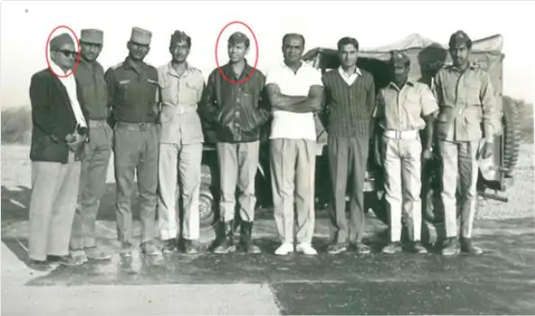 Indubhai Joshi (left) and Wing Commander Vijay Karnik (in the red circle).