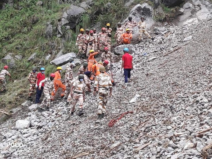 ITBP personnel and NDRF team engaged in rescue operation.