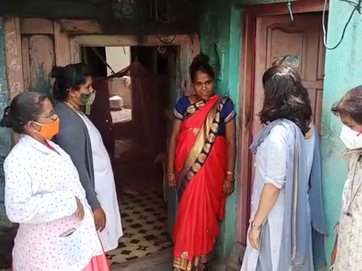 The team of Health Department is explaining to the women from door to door.