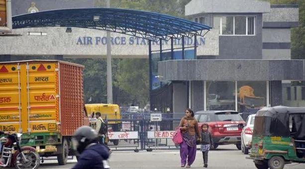 भारतीय वायुसेना का स्पेशल विमान जवानों को लेकर आया गाजियाबाद, काबुल में भारतीय दूतावास की सुरक्षा में थे तैनात गाजियाबाद,Ghaziabad - Dainik Bhaskar