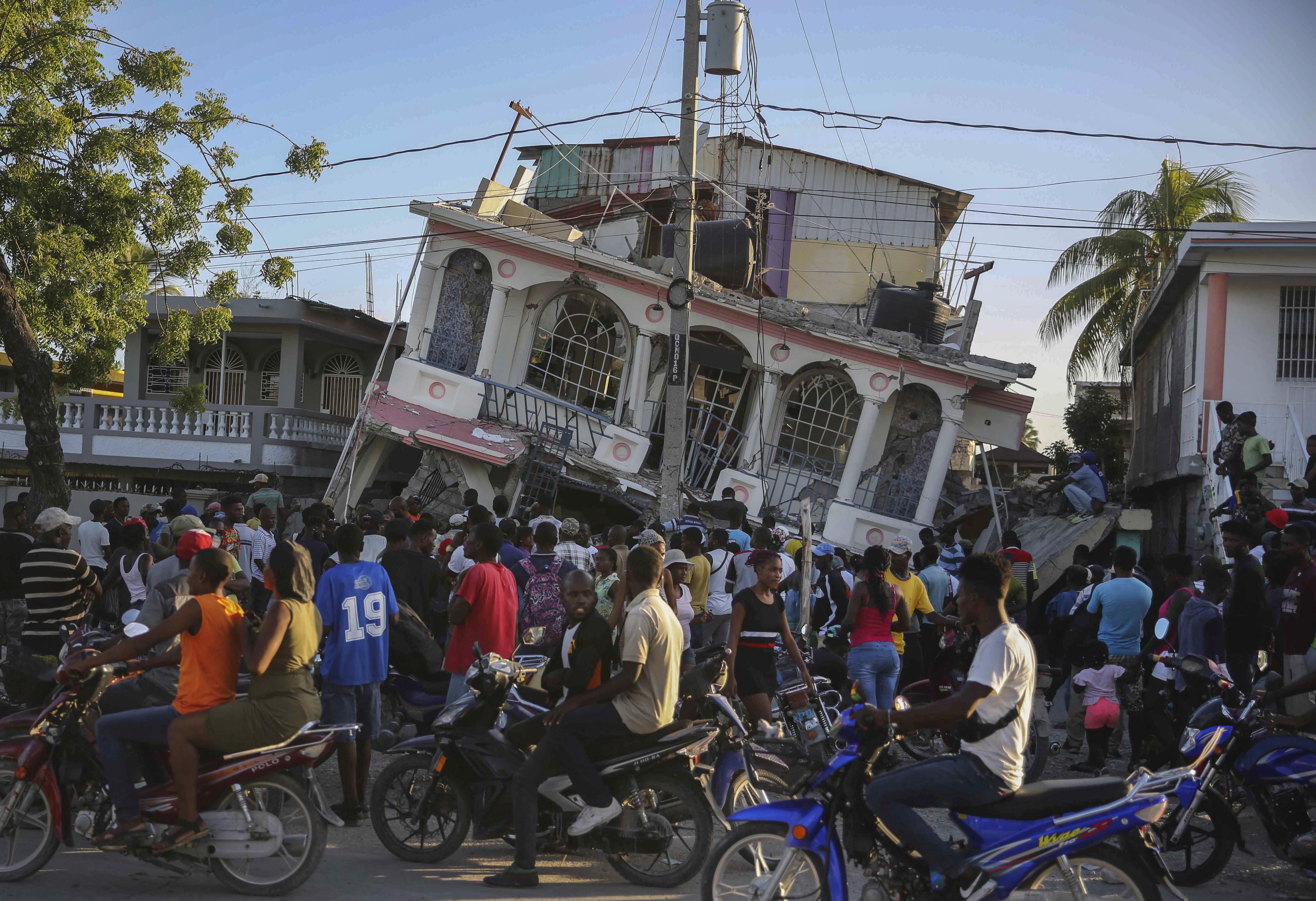 हैती में भूकंप से कई इमारतों को नुकसान पहुंचा है।