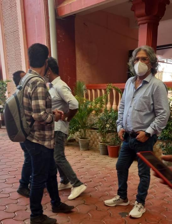 ओह माय गॉड 2 फिल्म के प्रोड्यूसर और लोकेशन हंटिंग टीम उज्जैन के महाकाल मंदिर पहुँची, अक्टूबर से शुरू हो सकती है शूटिंग, महाकाल मंदिर सहित कई जगह की लोकेशन देखी उज्जैन,Ujjain - Dainik Bhaskar