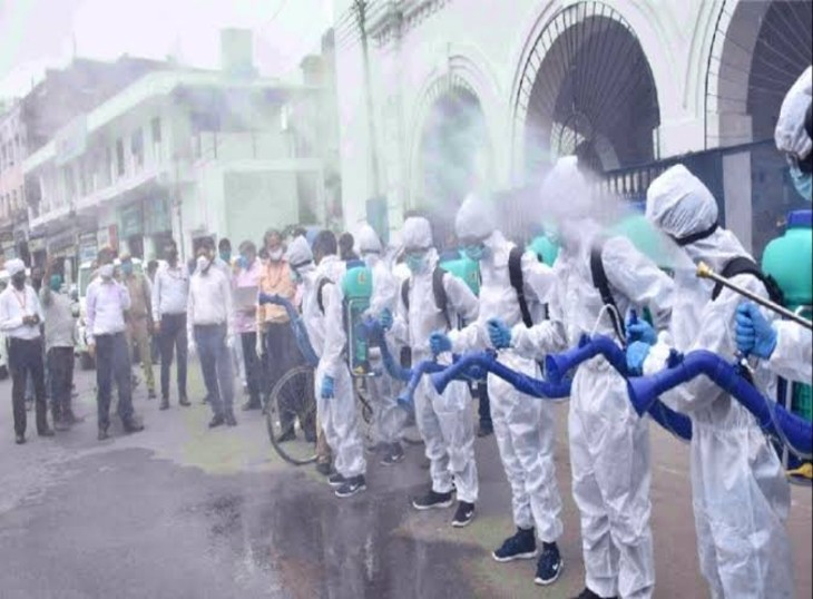 गुरुवार सुबह मिले 12 पॉजिटिव केस,बुधवार को यूपी में 35 कोरोना संक्रमित केस हुए दर्ज,प्रदेश के 17 जिले रहे कोरोना मुक्त लखनऊ,Lucknow - Dainik Bhaskar