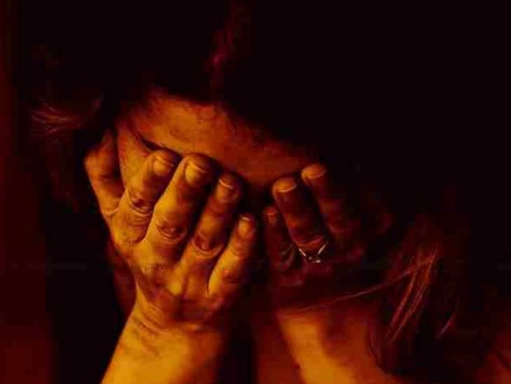 लखनऊ में पत्नी दूसरी शादी का विरोध कर रही थी, महिला का पूरा शरीर झुलसा, पति फरार, 11 साल पहले हुई थी शादी लखनऊ,Lucknow - Dainik Bhaskar