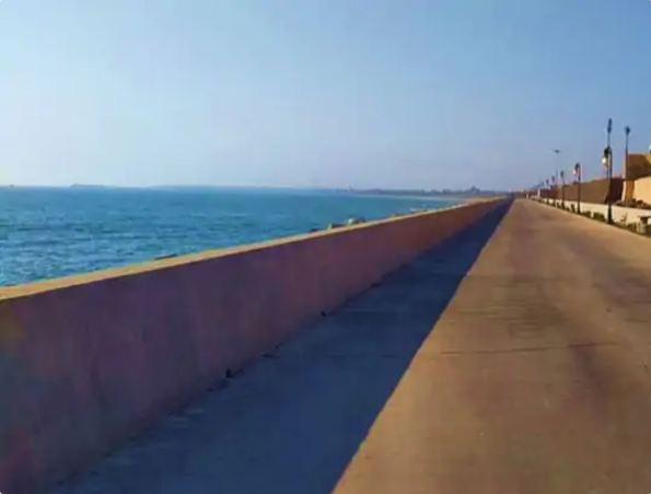 This walk-way named 'Samudra Darshan' has been prepared on the lines of Marine Drive in Mumbai.