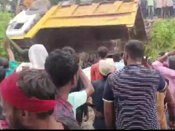 After the accident, the local people started relief work, but they could not succeed due to heavy load in the truck.
