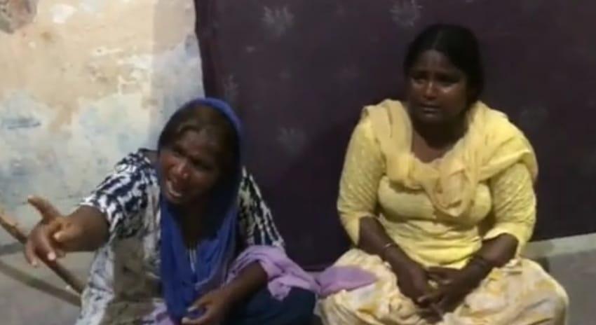 पुलिस चौकी में पकड़ी गई आरोपी महिलाएं।