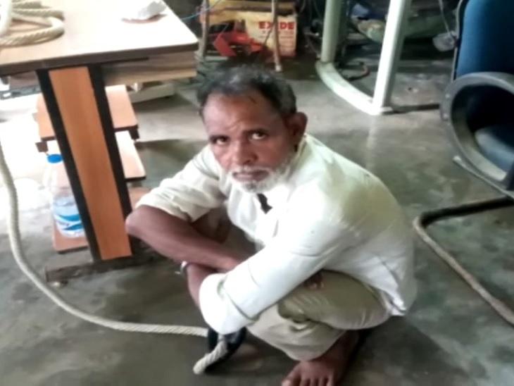 उत्तर प्रदेश के बहराइच से पुलिस ने की गिरफ्तारी, धारदार हथियार से पत्नी, सास और ससुर को काट डाला था सीवान,Siwan - Dainik Bhaskar