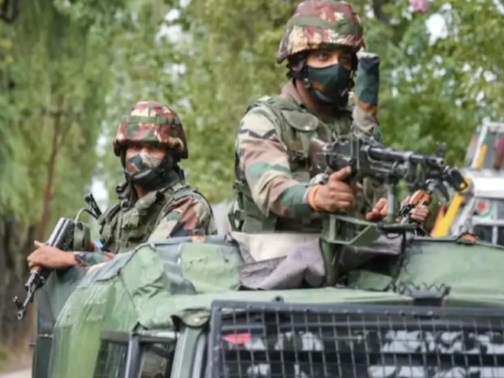 जम्मू-कश्मीर पुलिस ने बताया कि एनकाउंटर नागबेरन त्राल इलाके के जंगलों में चल रहा है। - Dainik Bhaskar