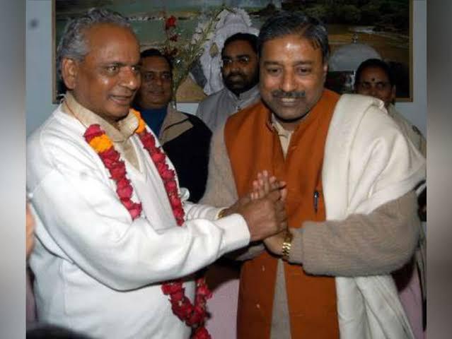 बाले- वे राममंदिर आंदोलन के सुपरस्टार थे, उनकी बदौलत विवादित ढांचा टूटा और अस्थाई मंदिर भी कुछ ही घंटे में बन गया|अयोध्या,Ayodhya - Dainik Bhaskar