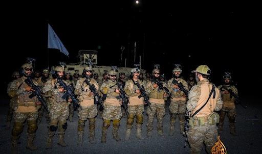 तालिबान की नई विक्ट्री फोर्स की ये तस्वीर अफगानिस्तानी मीडिया में शेयर गई है।