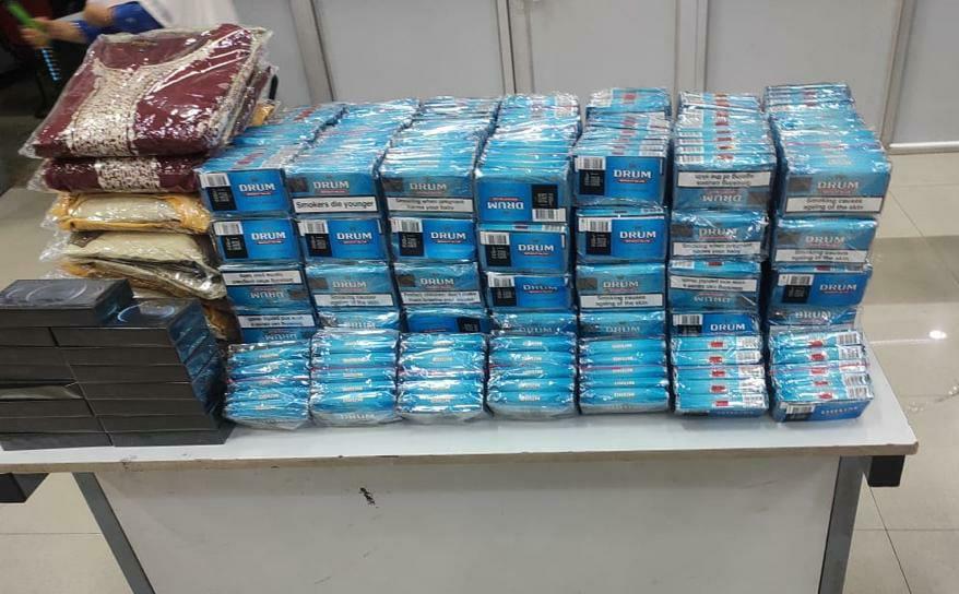 दुबई की फ्लाइट से तंबाकू के साथ लाए जा रहे थे, एक्स-रे चेकिंग से लगा तस्करी पर ब्रेक; कीमत 19 लाख|लखनऊ,Lucknow - Dainik Bhaskar