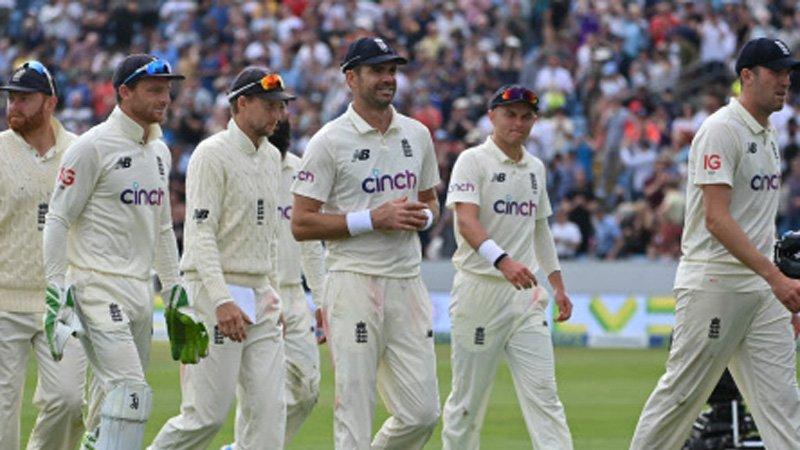 इंग्लैंड के तेज गेंदबाजों ने लीड्स टेस्ट में शानदार प्रदर्शन किया। तेज गेंदबाजों ने सभी 10 विकेट लिए।