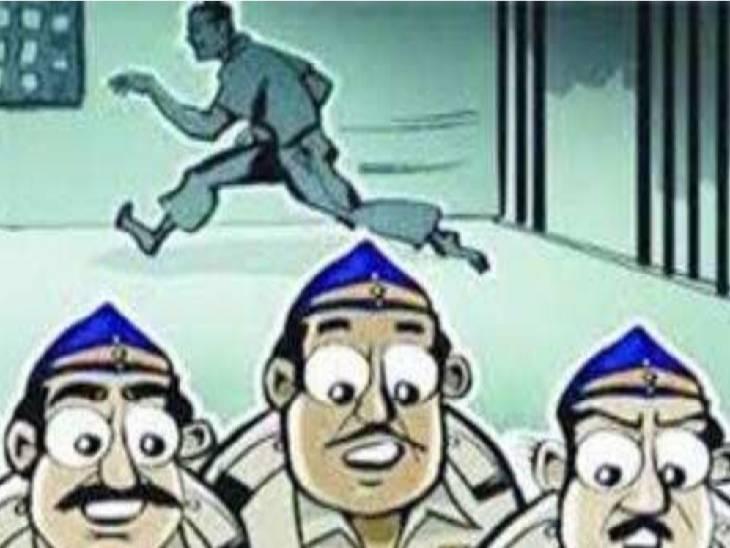 लखनऊ चिनहट पुलिस ने बाराबंकी पुलिस की मदद से पकड़ा, स्मैकियों के साथ काट रहा था फरारी, आरोपी चोर के भागने पर दो सिपाही हुए थे सस्पेंड लखनऊ,Lucknow - Dainik Bhaskar