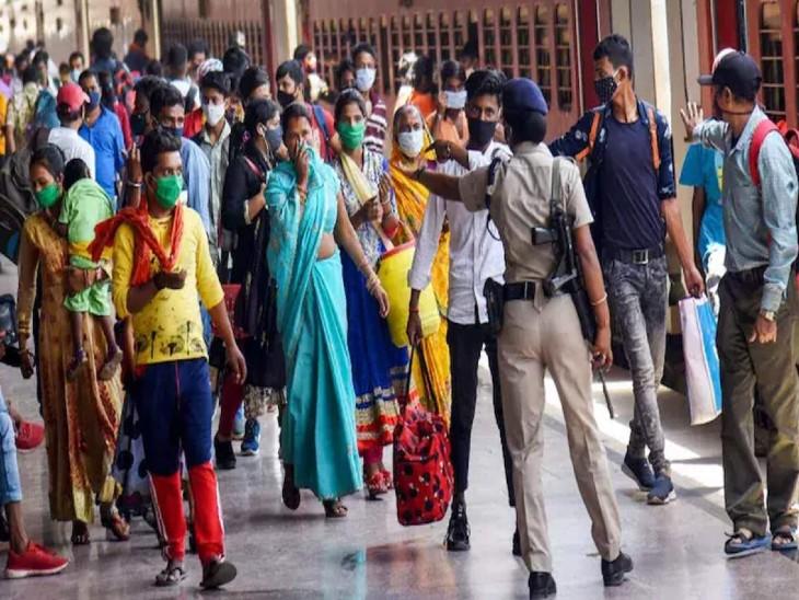 केरल में अगले हफ्ते से नाइट कर्फ्यू लागू होगा, राज्य में लगातार तीसरे दिन 30 हजार से ज्यादा कोरोना केस मिले|देश,National - Dainik Bhaskar