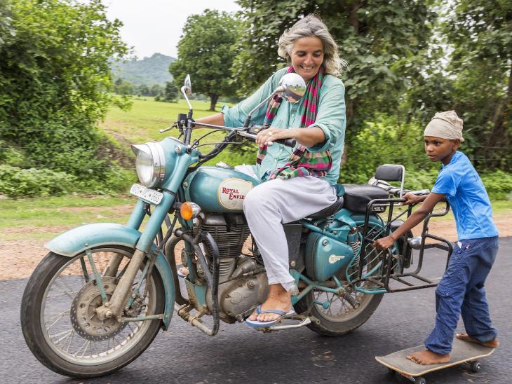 जिस गांव में 7 साल पहले न बिजली थी न सड़क; आज वहां के बच्चे स्केटिंग चैंपियन हैं, कंप्यूटर चलाते हैं, अंग्रेजी में बात करते हैं|DB ओरिजिनल,DB Original - Dainik Bhaskar