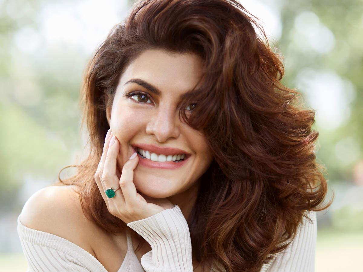 जैकलीन फर्नांडीज से मनी लॉन्ड्रिंग मामले में पूछताछ जारी, आरोपी नहीं लेकिन सुकेश चंद्रशेखर केस में गवाह बन सकती हैं|बॉलीवुड,Bollywood - Dainik Bhaskar