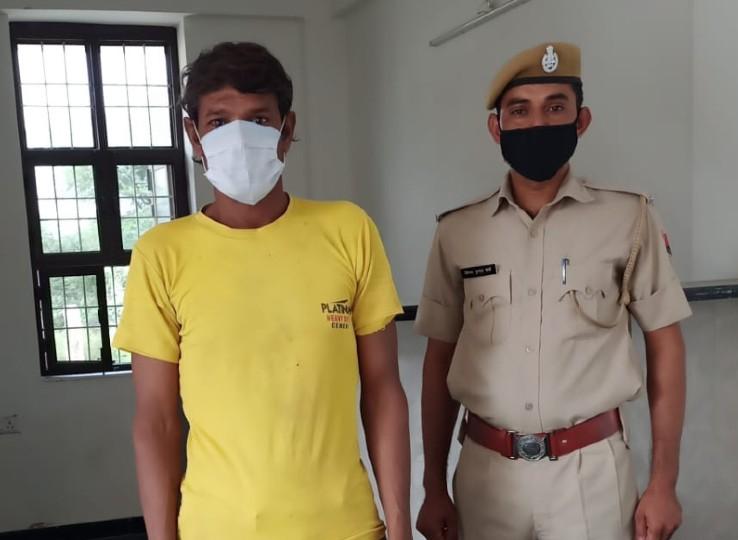 फतेहपुर RTO कार्यालय के मैदान में खड़ी बस से कर ली थी बैटरी चोरी, गिरफ्तार आरोपी से दो बैटरी हुई बरामद|सीकर,Sikar - Dainik Bhaskar