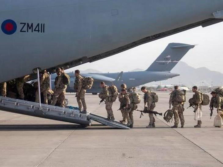 अमेरिका ने कहा- अफगानिस्तान में अब सिर्फ 300 अमेरिकी नागरिक बाकी, तालिबान इन्हें 31 अगस्त के बाद भी निकलने देगा|विदेश,International - Dainik Bhaskar