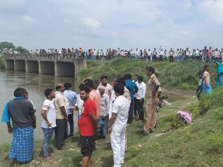 बेसो नदी में नहाने गए थे, तेज बहाव में बहे; गोताखोर कर रहे तलाश गाजीपुर,Ghazipur - Dainik Bhaskar