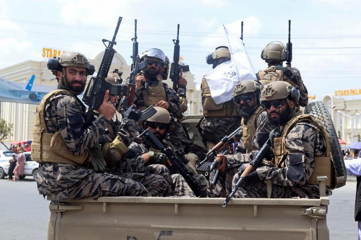 अमेरिका के अफगानिस्तान से जाने के बाद काबुल एयरपोर्ट पूरी तरह तालिबान के कब्जे में आ चुका है।