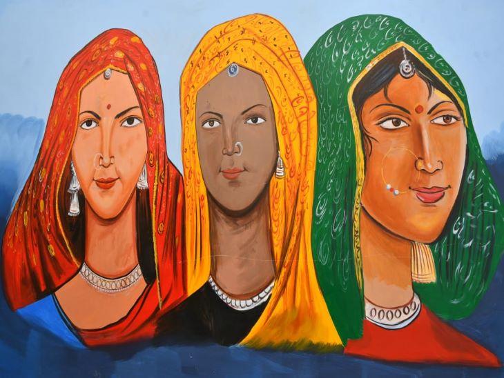 ब्लू वॉल पर सुंदर रंगों के मिश्रण से बनी बोलती पेंटिंग हर किसी को आकर्षित कर रही है। जोधपुर वासी भी अब सिटी पुलिस क्षेत्र में आकर यहां सेल्फी ले रहे हैं।