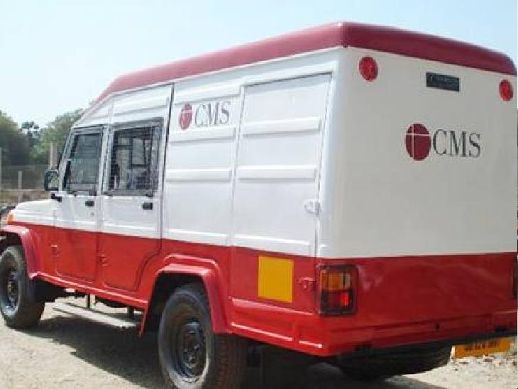 पटना में ड्राइवर की शातिरगिरी; IDBI बैंक के ATM में कैश डालने गए थे टेक्नीशियन और सिक्युरिटी गार्ड, इधर कैश वैन लेकर हुआ फरार पटना,Patna - Dainik Bhaskar