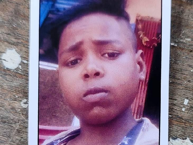 हमीरपुर में 2 दिन से लापता था बच्चा, घर से 1 किमी दूर मिला शव; एक दिन पहले दर्ज हुई थी गुमशुदगी की रिपोर्ट|हमीरपुर,Hamirpur - Dainik Bhaskar