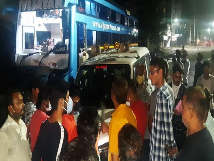 महाराष्ट्र से बस परिवहन पर रोक होने के बावजूद स्पेशल टूरिस्ट परमिट पर यात्रियों को लेकर जा रही थी बस, जबलपुर FIR, परमिट भी निरस्त जबलपुर,Jabalpur - Dainik Bhaskar