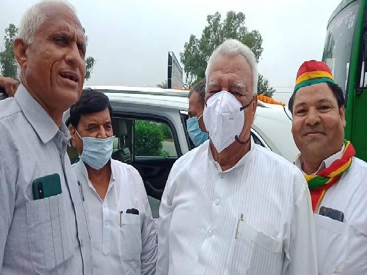 पार्टी कार्यकर्ताओं से की मुलाकात, पार्टी को मजबूत करने के लिए दिए दिशा-निर्देश, सपा-प्रसपा गठबंधन पर कहा...अभी इसमें वक्त है|हापुड़,Hapud - Dainik Bhaskar