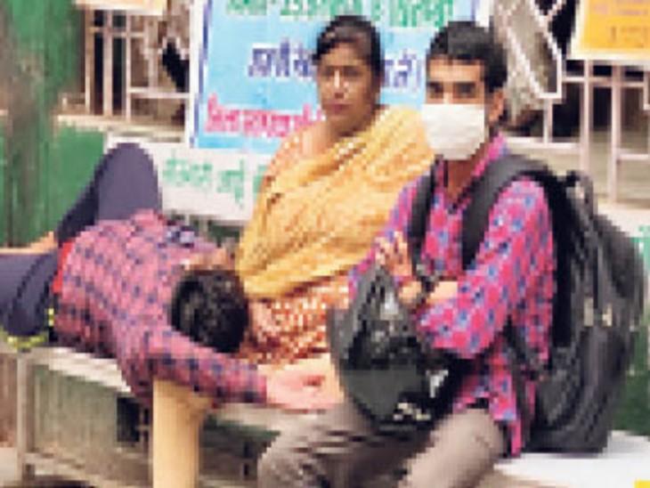 बेहाल चिकित्सा व्यवस्था, अधिकतर स्थानों पर जांच की सुविधा भगवान भरोसे, स्टाफ की भी कमी। - Dainik Bhaskar