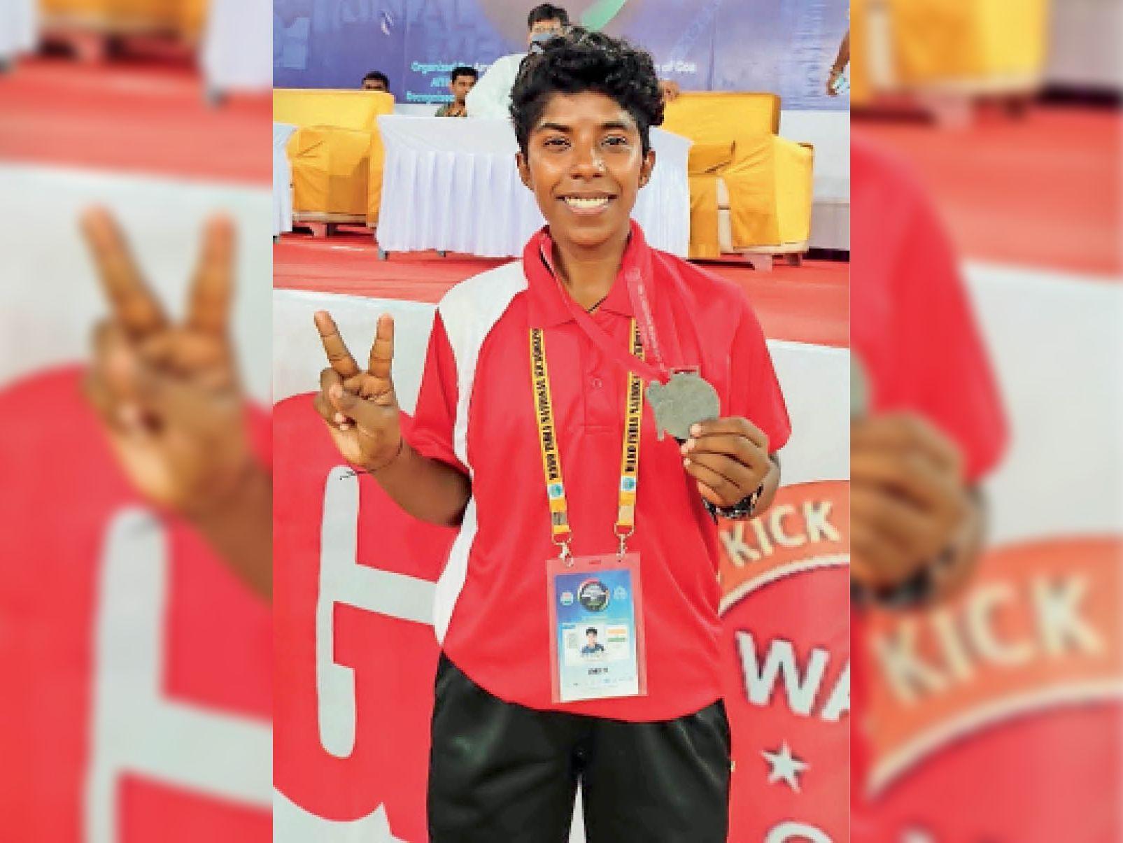 ऑनलाइन और सेेल्फ प्रेक्टिस की, श्रीगंगानगर की बेटी ने किक बॉक्सिंग प्रति. में महाराष्ट्र को हरा जीता सिल्वर श्रीगंंगानगर,Sriganganagar - Dainik Bhaskar