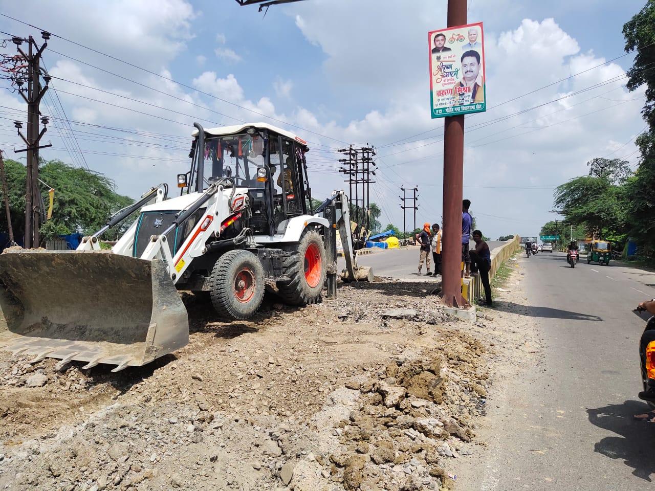 एक तरफ का रास्ता किया गया बंद, कानपुर में 3.28 करोड़ रुपए की लागत से पुलिया बनाई गई थी, PWD ने किया था निर्माण|कानपुर,Kanpur - Dainik Bhaskar