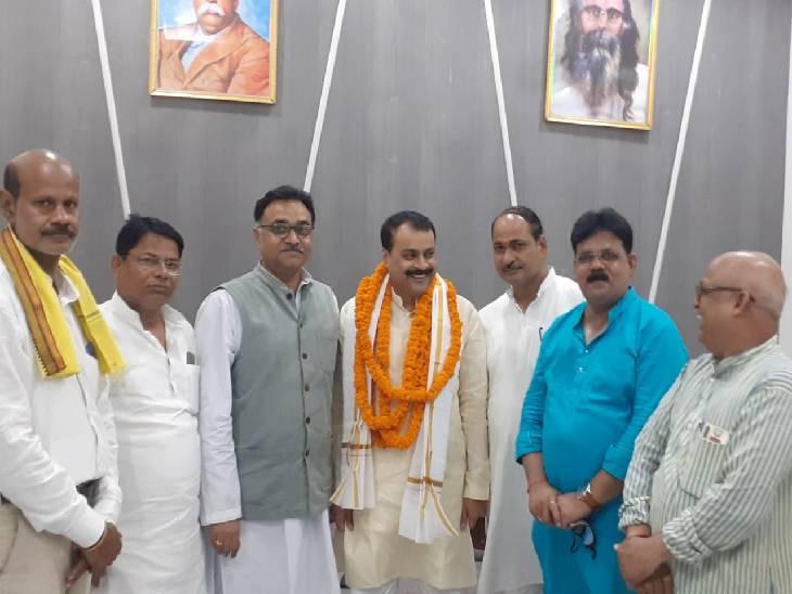 मनीष शुक्ला ने कहा- सरकार ने बनाया करप्शन व क्राइम फ्री राज्य, चार लाख युवाओं को दी सरकारी नौकरी|सुलतानपुर,Sultanpur - Dainik Bhaskar