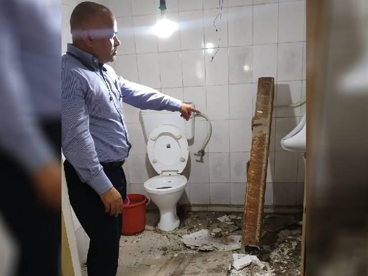 एक क्विटंल वजनी लोहे का गार्डर नगर निगम के जोन-2 कार्यालय की छत को चीरता हुआ बाथरूम में गिरा, मची अफरा-तफरी|भोपाल,Bhopal - Dainik Bhaskar