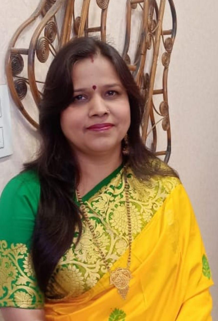 मेरठ की राजरानी शर्मा प्राथमिक विद्यालय लुपुर बक्सर माछरा की शिक्षिका हैं