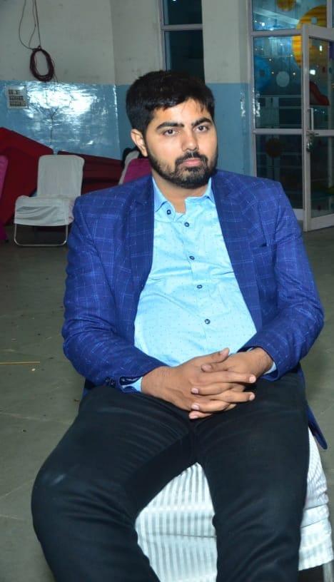 मृतक विनोद का फाइल फोटो