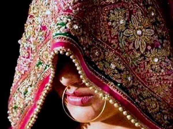 शादी के बाद रुपयों, जेवरात व शॉपिंग की करने लगी डिमांड, 3 लाख रुपयों की खरीदारी करवाई, दहेज का मुकदमा कराने की दी धमकी, घर से जेवर ले गई|जयपुर,Jaipur - Dainik Bhaskar
