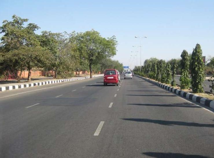 JLN मार्ग पर होगा ट्रैफिक रूट में रहेगा बदलाव, बिना पास वालों कोगांधी सर्किल व बजाज नगर तिराहे से आगे नहीं मिलेगी एंट्री|जयपुर,Jaipur - Dainik Bhaskar