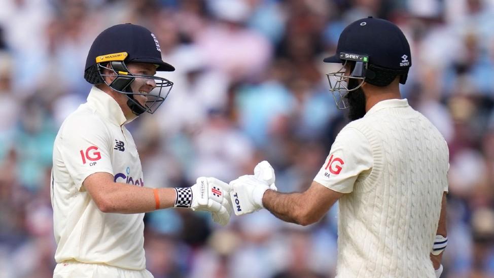 सातवें विकेट के लिए मोइन अली और ओली पोप ने 71 रन जोड़े।