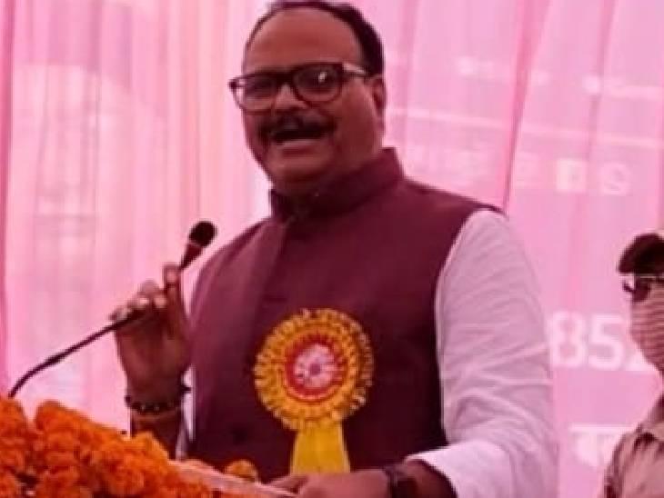 बोले- सपा का अगला अध्यक्ष बनेगा अखिलेश का बेटा, भाजपा में ही कार्यकर्ताओं को मिलती बड़ी जिम्मेदारी|बदायूं,Badaun - Dainik Bhaskar