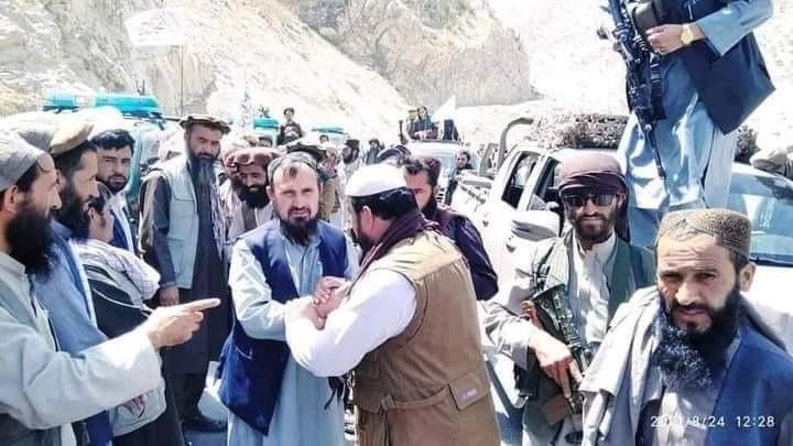 पंजशीर में तालिबान की तरफ से लड़ाई का नेतृत्व कारी फशीह कर रहे हैं। ये तस्वीर अंदराब के खवाक पास की है।