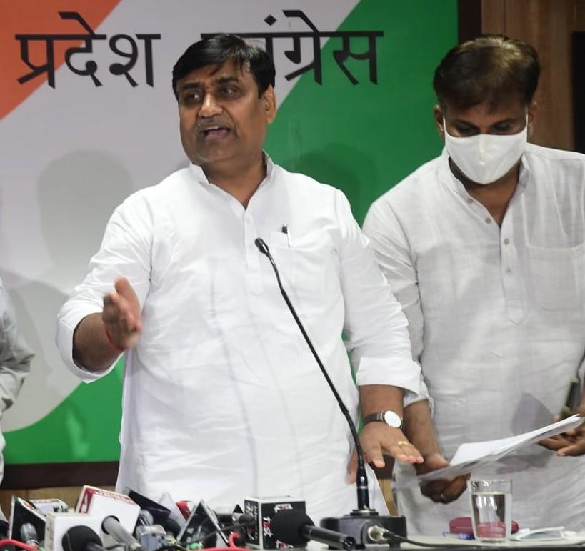 कांग्रेस प्रदेशाध्यक्ष बोले- सत्ता का दुरुपयोग देखना है तो राजभवन को देखिए; गवर्नर ने सालभर से किसान हितों के 3 कानून रोक रखे हैं|जयपुर,Jaipur - Dainik Bhaskar