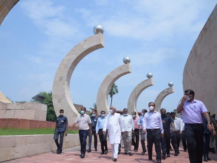 नीतीश कुमार पूरे दिन पटना साहिब में घूमते रहे, प्रकाश पुंज-गुलजारबाग प्रेस और BNR गए|बिहार,Bihar - Dainik Bhaskar