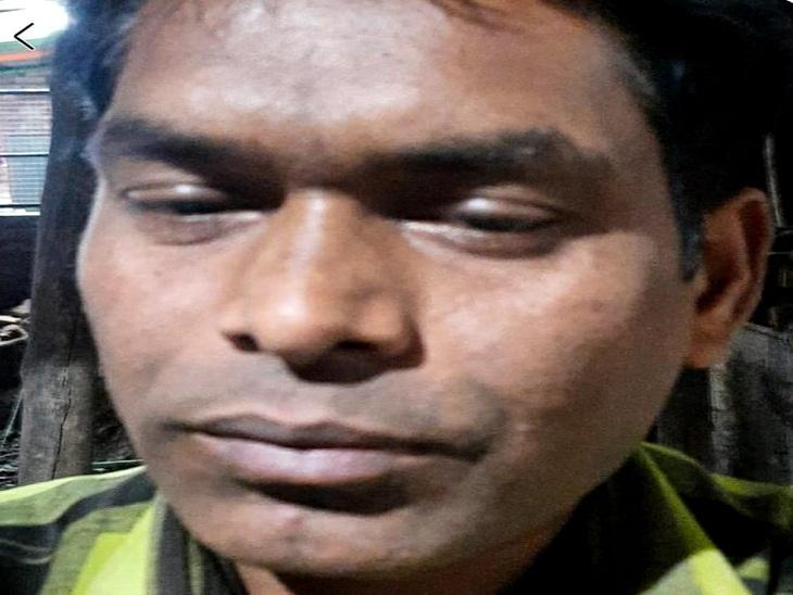 वाराणसी के फूलपुर थाने के फॉलोवर को सांप ने डसा, किचन में कर रहा था सफाई; उपचार के दौरान जान गई वाराणसी,Varanasi - Dainik Bhaskar