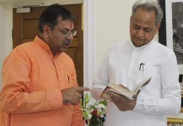 पंचायत समिति चुनाव के नतीजे गहलोत सरकार के पक्ष में, जनता ने अलार्मिंग सिग्नल भी दिया, भरतपुर-सिरोही के नतीजे कांग्रेस के लिए सियासी चेतावनी वाले|जयपुर,Jaipur - Dainik Bhaskar