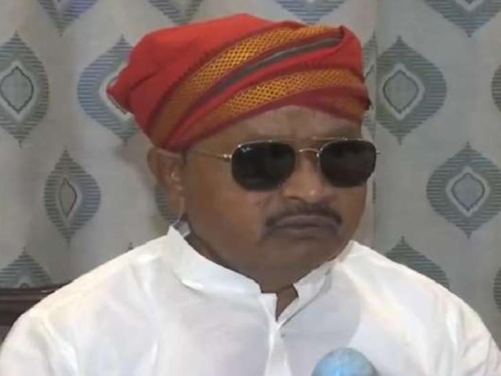 डांस और पेट खराब होने के बयान के साथ बना मीम, लोग सोशल मीडिया पर शौचालय मंत्री का बता रहे हैं दावेदार|बिहार,Bihar - Dainik Bhaskar