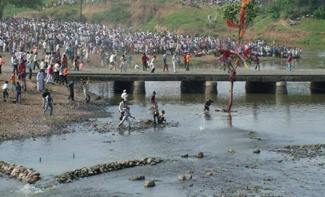 गोटमार मेलें में 7 और 8 सितंबर को लागू रहेगी धारा 144, गोफन और शस्त्रों पर भी रहेगा प्रतिबंध, सामूहिक भीड़ लगाई तो होगी कार्रवाई|छिंदवाड़ा,Chhindwara - Dainik Bhaskar