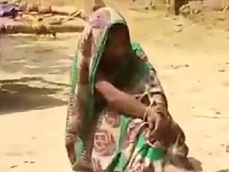 दहेज के लिए रस्सी से हाथ-पैर बांधकर धूप में बैठाया; पुलिस ने महिला को छुड़ाया, FIR दर्ज अमेठी,Amethi - Dainik Bhaskar